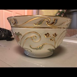 Barely used Lenox Bowl